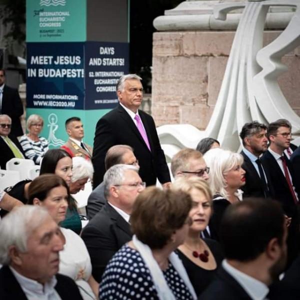 Orbán Viktor résztvett az ünnepi szentmisén a Bazilikánál