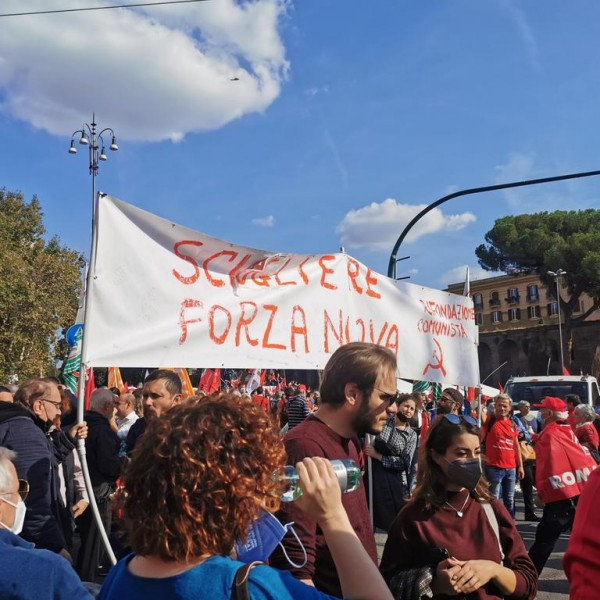 Rómában a szélsőjobboldal betiltásáért tüntettek