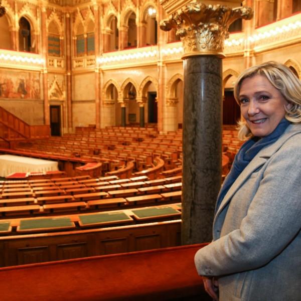 Végiglátogatta Budapestet Marine Le Pen