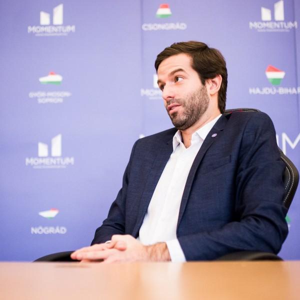 Fekete-Győr András úgy tudja: rendszerváltó hangulat van Magyarországon