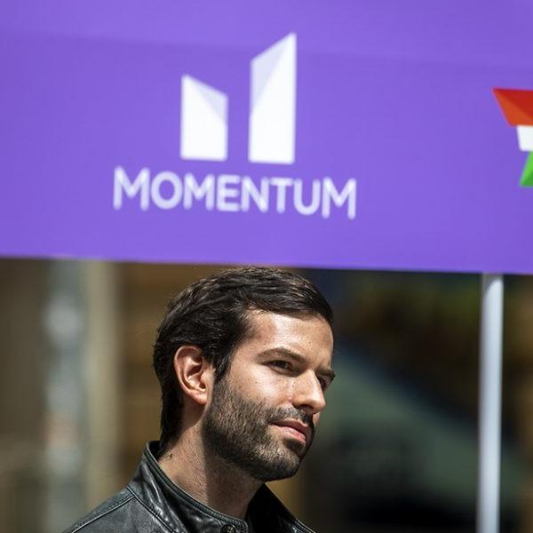 Momentum bejelentette programját: elzavarjuk a maffia kormányt, felépítjük az európai demokráciát