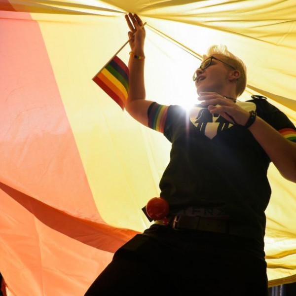 LMBTQ-nyilatkozattal vonna el pénzeket Magyarországtól és Lengyelországtól az EP
