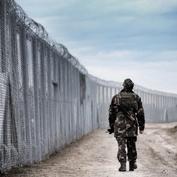 Több mint ezer határsértő ellen intézkedtek a hétvégén