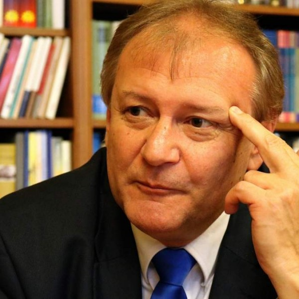 Megvan az első jelölt, akit mind a hat ellenzéki párt támogat az előválasztáson