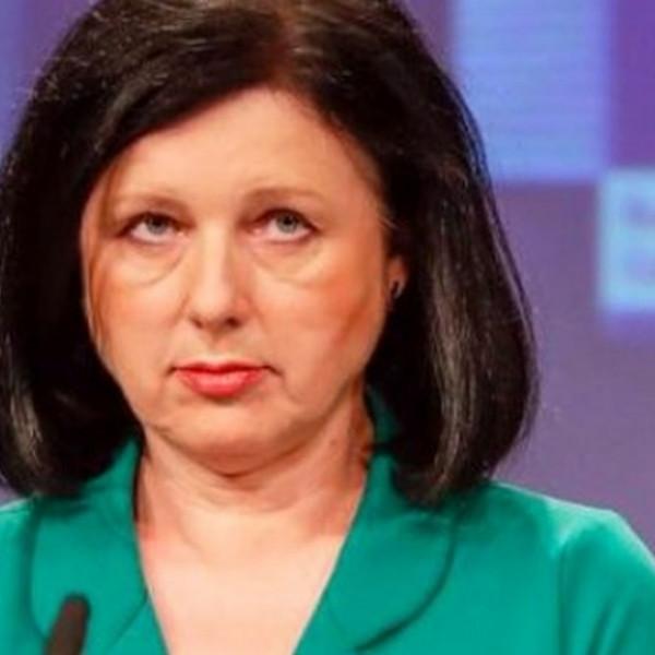 Jourová beavatkozna a magyar politikába