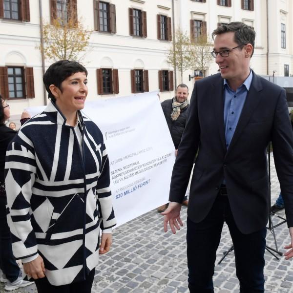 Felmérés: A magyarok kamunak tartják az előválasztást