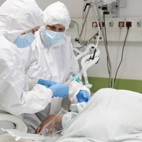 Koronavírus: 30 elhunyt, 1668 új fertőzött