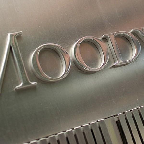 A Moody's egy fokozattal feljebb sorolta a magyar államadósság-osztályzatot