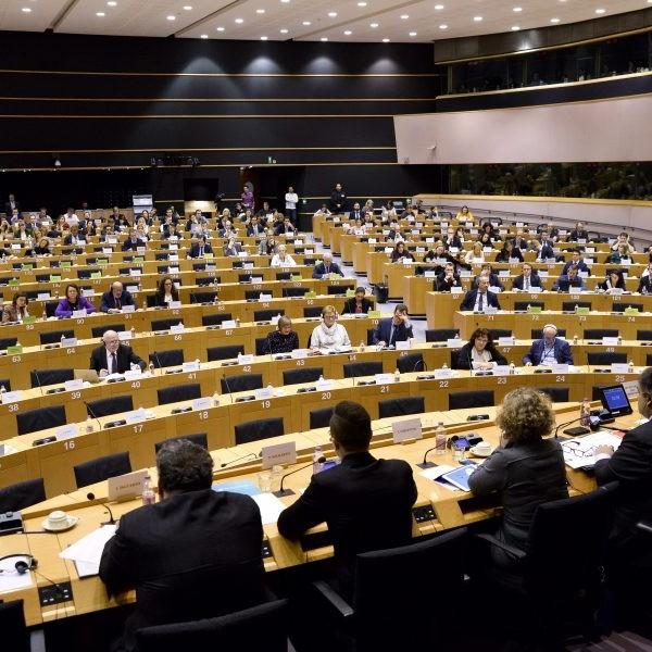EU-csúcs – A tagországok vezetői zárónyilatkozatot fogadtak el a energiaárak kezelésére és a koronavírus-járványra vonatkozóan