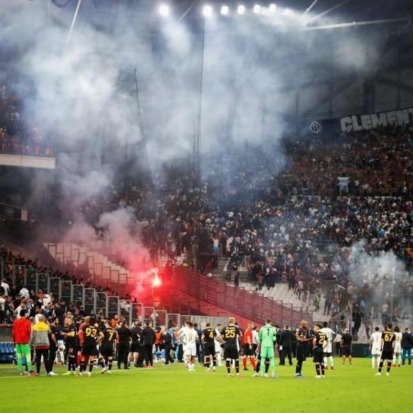 Óriási botrány tört ki a Marseille - Galatasaray EL-meccsen - Videók