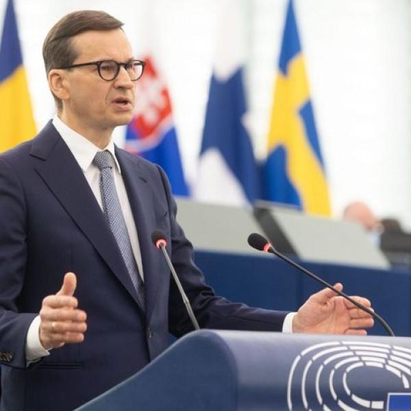Mateusz Morawiecki: Fejezzék be Lengyelország fenyegetését!