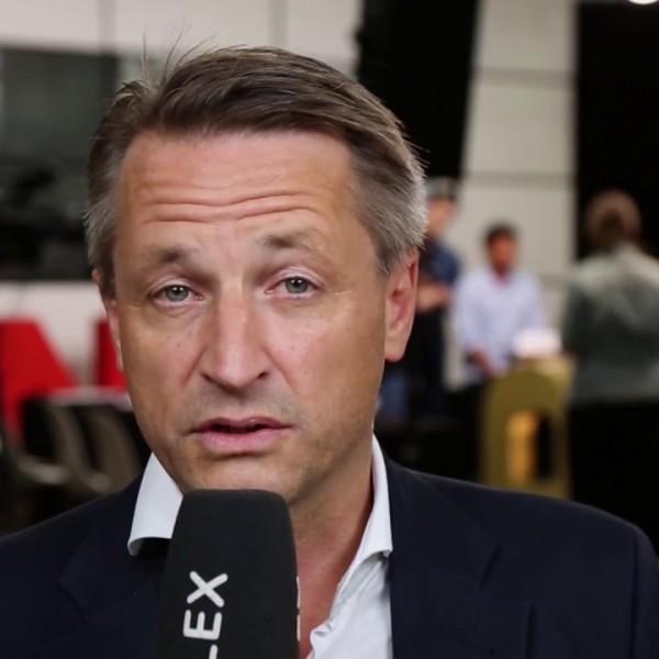 Der Spiegel: Orbán Viktornak tele a nadrágja