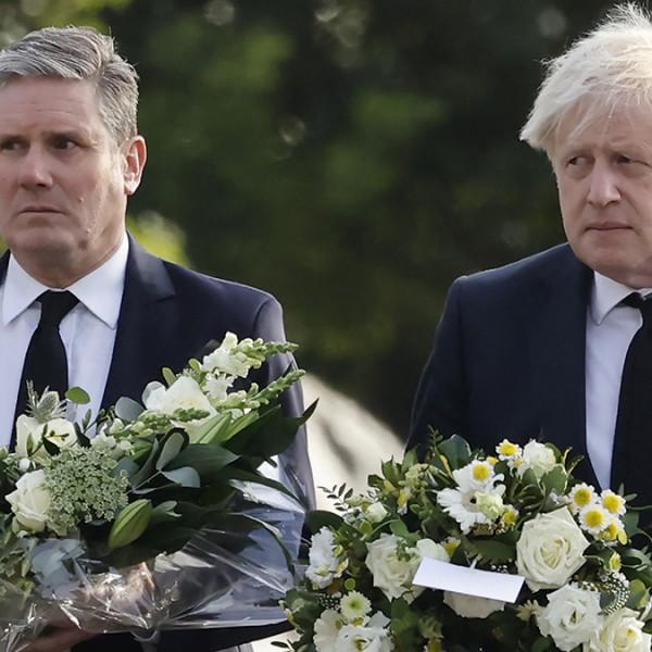 A szomáliai migráns által meggyilkolt képviselőre emlékeztek Boris Johnsonék