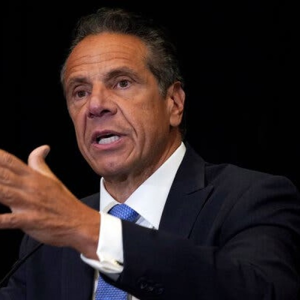Több nőt is szexuálisan zaklatott a New York-i kormányzó, a lemondását követelik