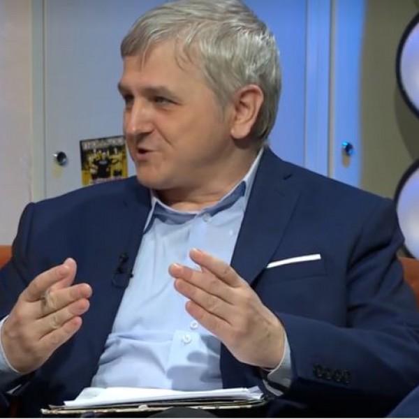 https://www.vadhajtasok.hu/2021/09/14/a-fidesze-nyert-osszeomlott-a-moslek-vitaja-utan-a-balos-politikai-elemzo