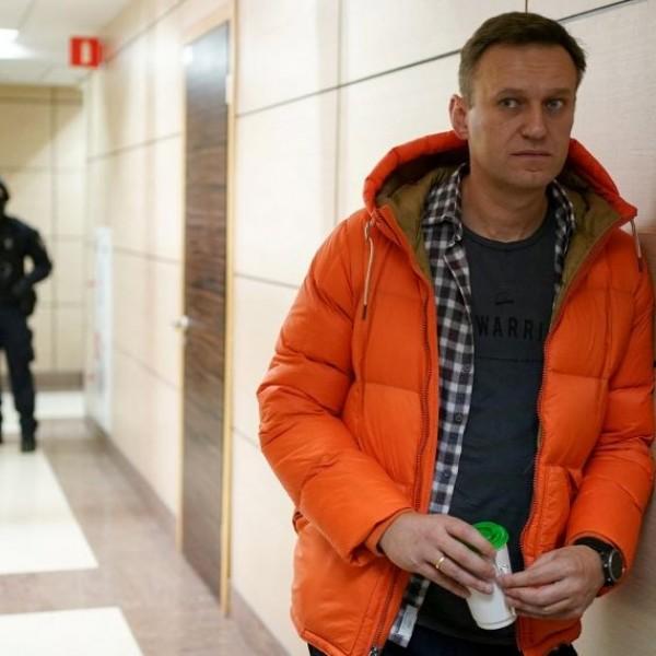 Kivizsgálták Navalnijt, és felszólították, hogy fejezze be az éhségsztrájkot
