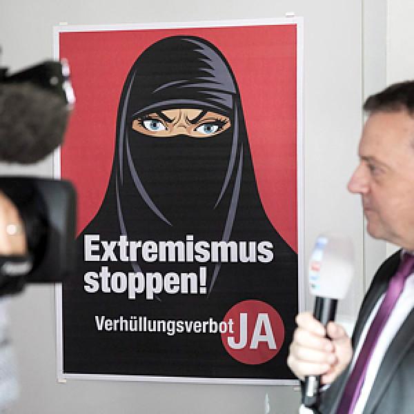A svájciak döntöttek: nem kérnek a burkából