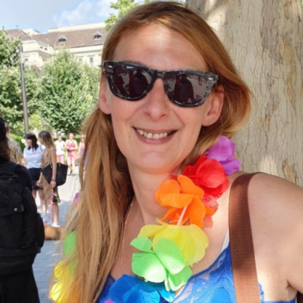 Baranyi Krisztina visít: A gyűlölet fegyvereit ismét a meleg közösség felé fordították