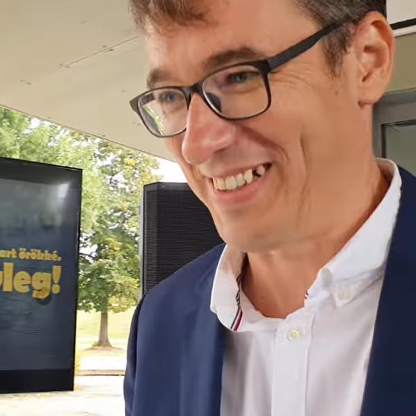 """Bede Zsolt egy """"fogas"""" kérdést tett fel Kamu Gerinek - Videó"""