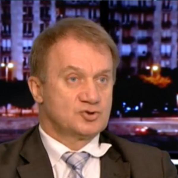Varju elvtárs most Rónai Egonnál sült be - Videó
