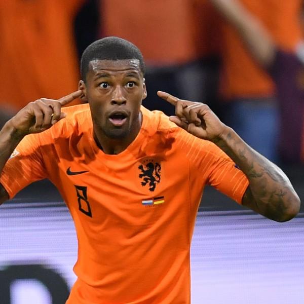 A hollandok csapatkapitánya szivárványos karszalaggal fog pályára lépni Budapesten