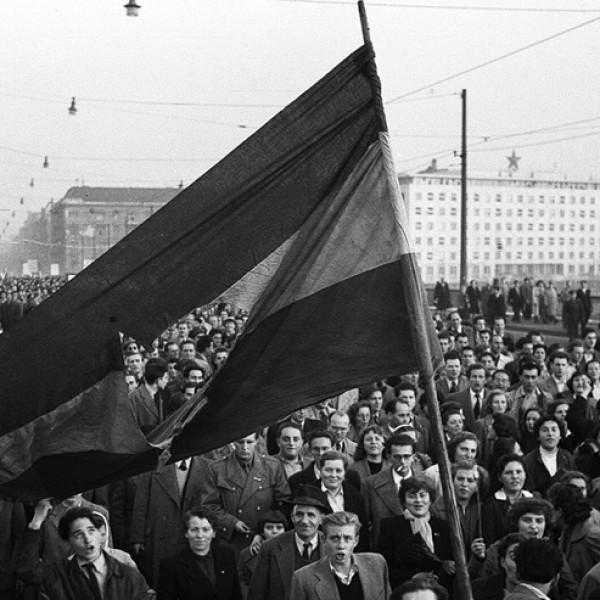 1956.X.23.: A magyarok megmutatták a világnak, hogy nem ismernek lehetetlent - Tisztelet a hősöknek!