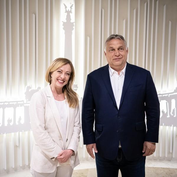 Orbán rátett egy lapáttal: Giorgia Melonival tárgyalt az európai jobboldal egyesítéséről