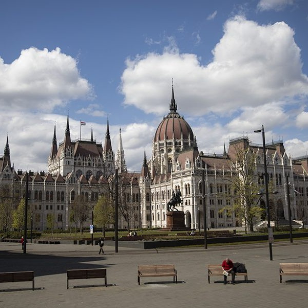 Élő: Kezdődik a parlament első őszi ülése, Orbán Viktor is felszólal