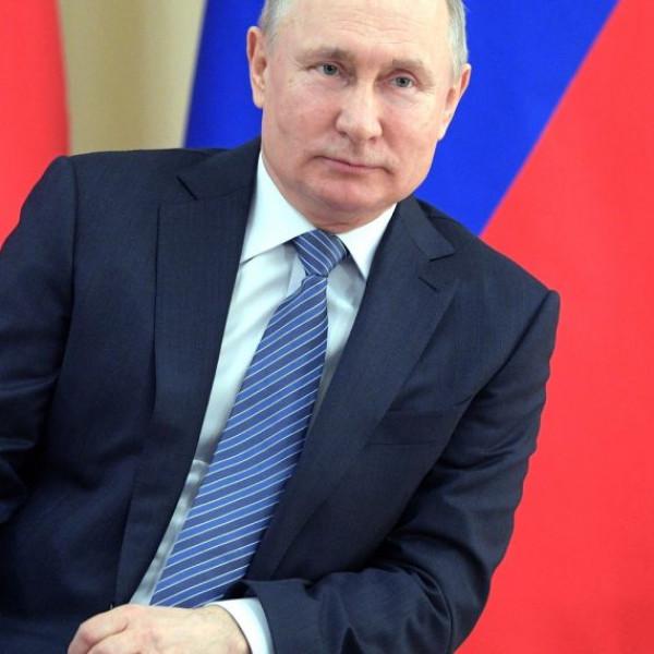 Putyin: az orosz vakcinák hatékonyak az új mutációkkal szemben