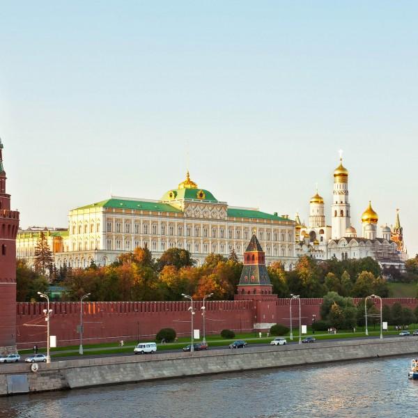 Kreml az orosz diplomaták kiutasításáról: Prága nagyon jól tudja, mi következik ilyen trükkök után