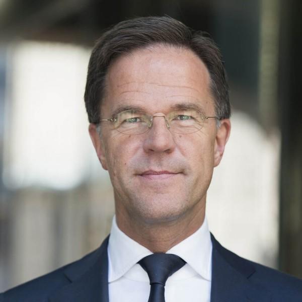 A holland miniszterelnök is Magyarországgal foglalkozik: elítéli a pedofil-ellenes törvényt