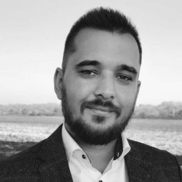 Gyászol a Momentum: koronavírusban elhunyt a párt egyik tagja