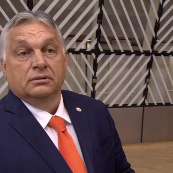 """Orbán Viktor Brüsszelben: """"arról van törvényünk, hogyan védjük meg a gyermekek és a szüleik jogait"""""""