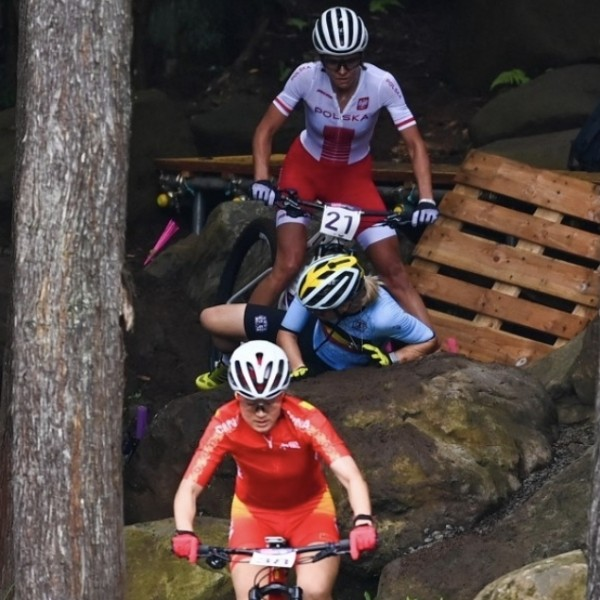 Óriási bravúr, Vas Kata Blanka 4. helyen végzett az olimpia hegyikerékpáros versenyén