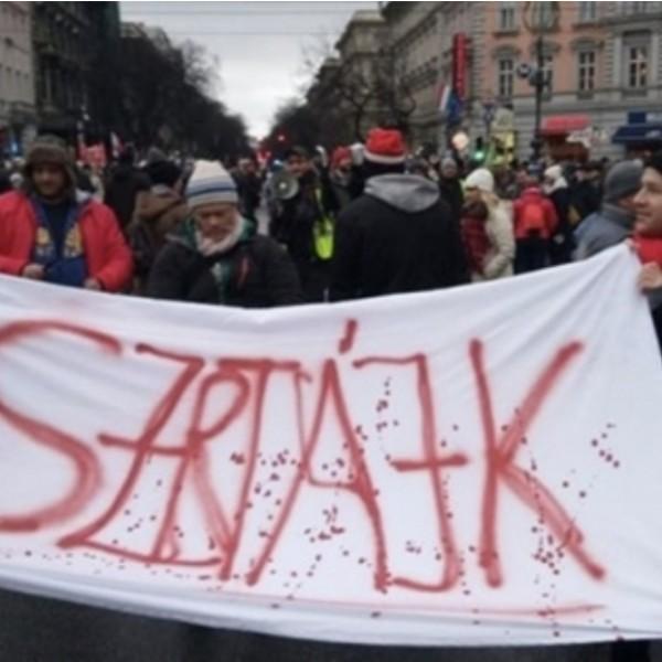 A DK szerint Orbán Viktor betiltja a sztrájkot