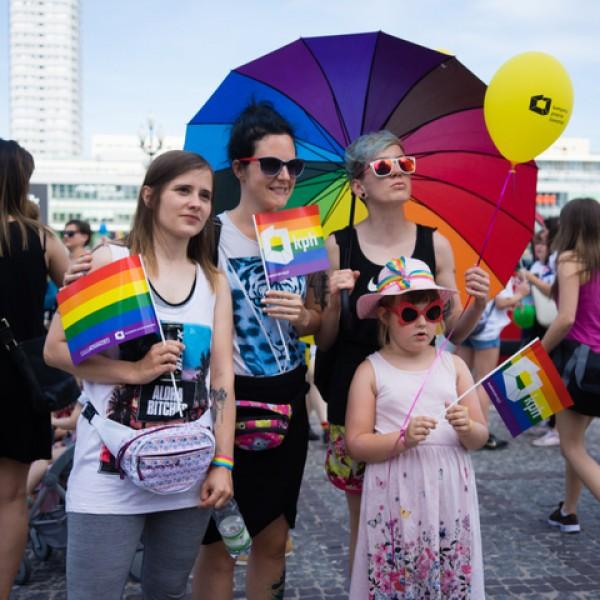 Két év után először vonulhattak fel a homoszexuálisok Varsóban