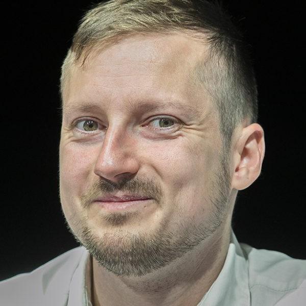 Lötyög a moslék: A momentumos polgármester kirúgta a koalícióból az MSZP-s képviselőt