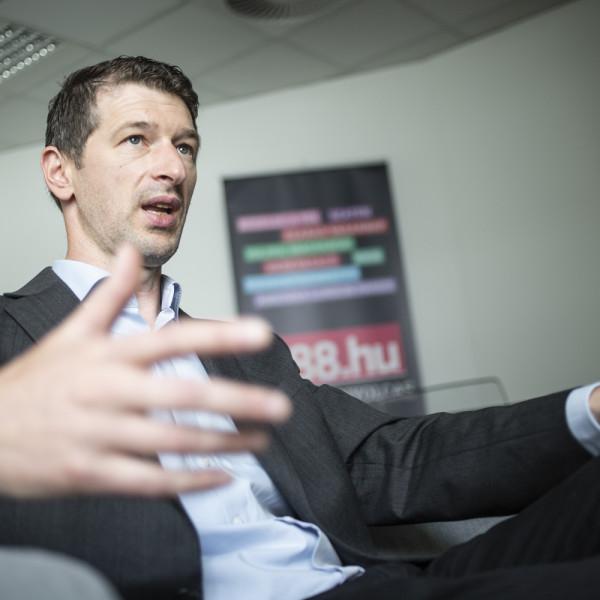 Szakács Árpád szerint magyargyűlölőket támogat az MMA