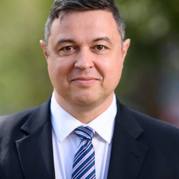 https://www.vadhajtasok.hu/2021/04/10/szentesi-zoldi-laszlo-jo-terdelest-hatra-levo-eletedben