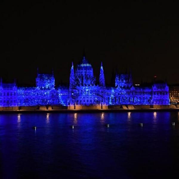 Augusztus 20: elképesztő fényáradatban úszott Budapest felett az ég - Fotók