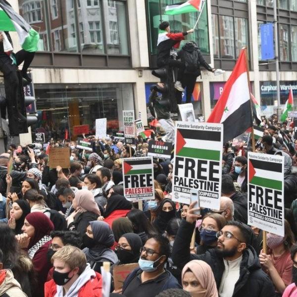 Több európai fővárosban tüntettek az izraeli légicsapások ellen