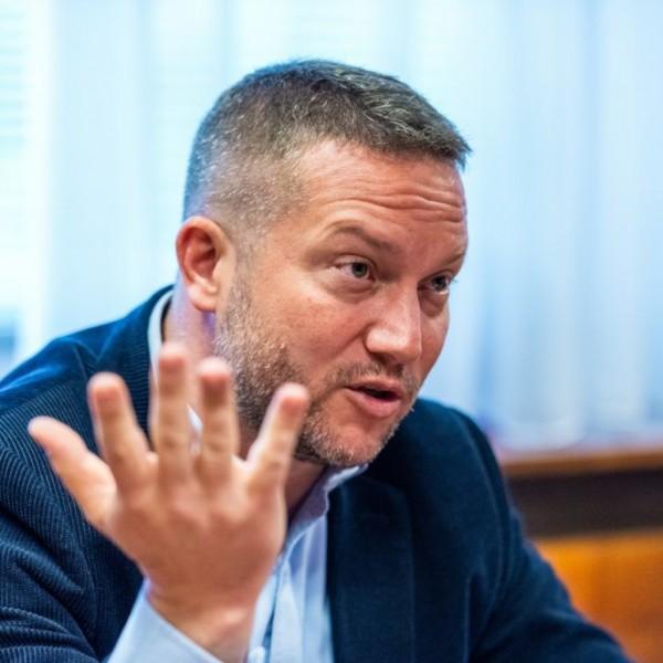 Ujhülye: Le Pen látogatásával Orbán újabb szintre süllyed