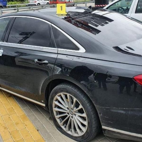 Rálőttek az ukrán elnök főtanácsadójának autójára, Szelif jól van, de a sofőr súlyosan megsebesült