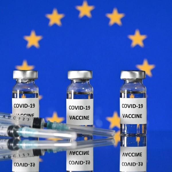 Az Európai Bizottság nem hosszabbít szerződést az AstraZenecával és a Johnson & Johnsonnal