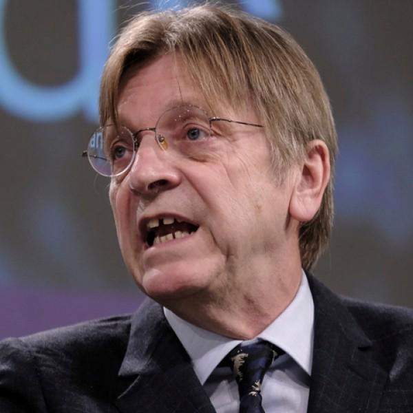 Guy Verhofstadtnál nem téma Cseh Katalin korrupciós ügye