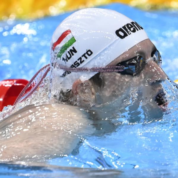 Verrasztó Dávid káprázatos úszással negyedik lett 400 vegyesen!